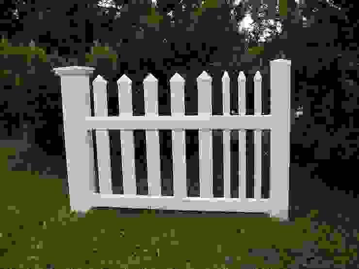 Ogrodzenie w kolorze białym Klasyczny ogród od Ogrodzenia PCV Klasyczny