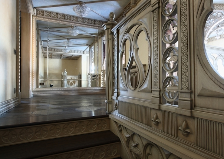 Лестница на жилой этаж:  в современный. Автор – Студия Анны Куликовой и Павла Миронова, Модерн