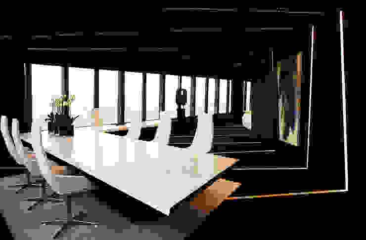 despacho Oficinas y tiendas de estilo moderno de CANDIDO HERMIDA N.M Moderno
