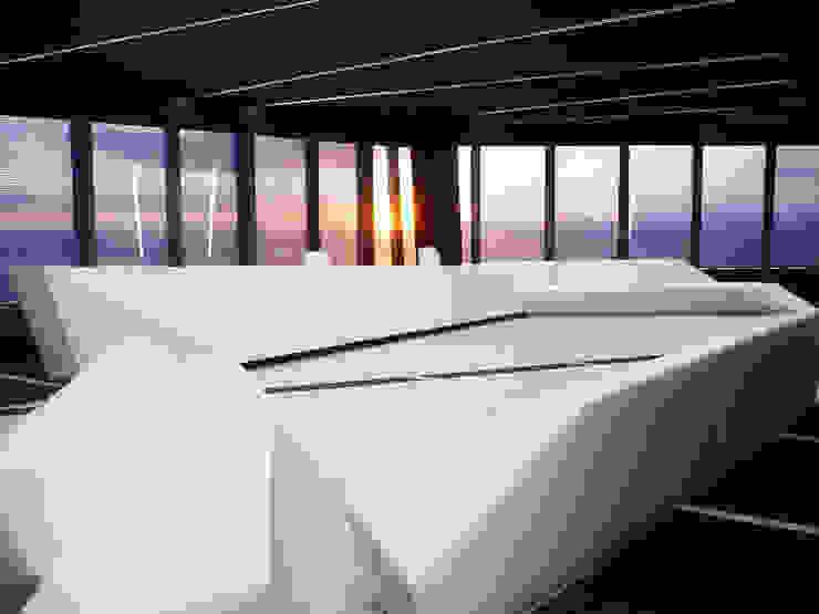 recepción Oficinas y tiendas de estilo moderno de CANDIDO HERMIDA N.M Moderno