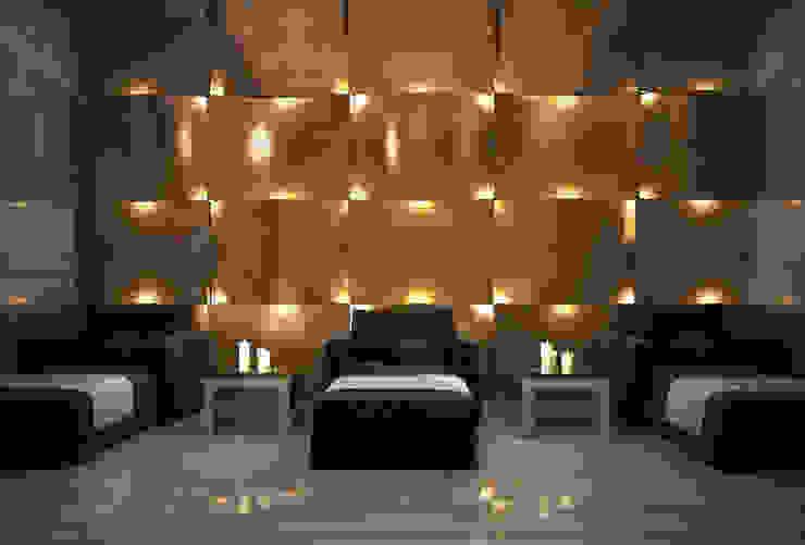 Bowmont Residence, LA, USA Коридор, прихожая и лестница в эклектичном стиле от Anton Neumark Эклектичный