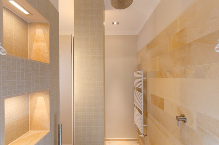 Solnhofer Meets Trend Ванная комната в стиле модерн от Vivante Модерн