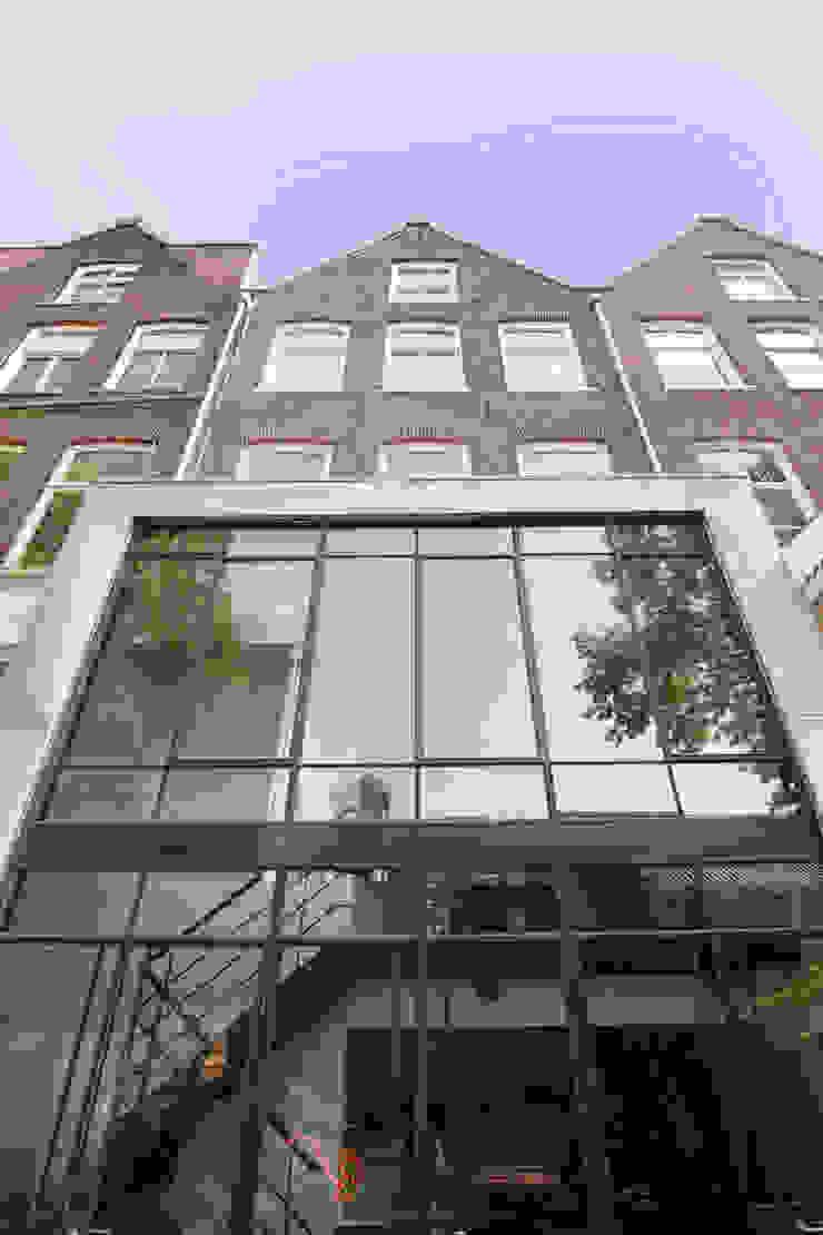 Complete verbouwing en inrichting herenhuis Moderne huizen van Kodde Architecten bna Modern