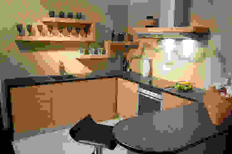 Victoria Dock kitchen Ogle luxury Kitchens & Bathrooms Modern kitchen