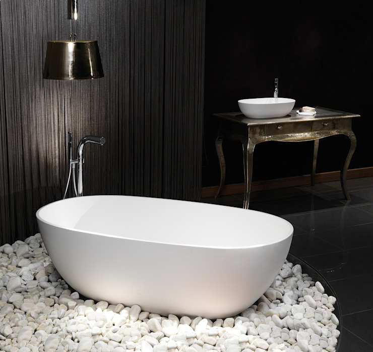 Cloud Stone Bath por Waters Baths of Ashbourne Moderno