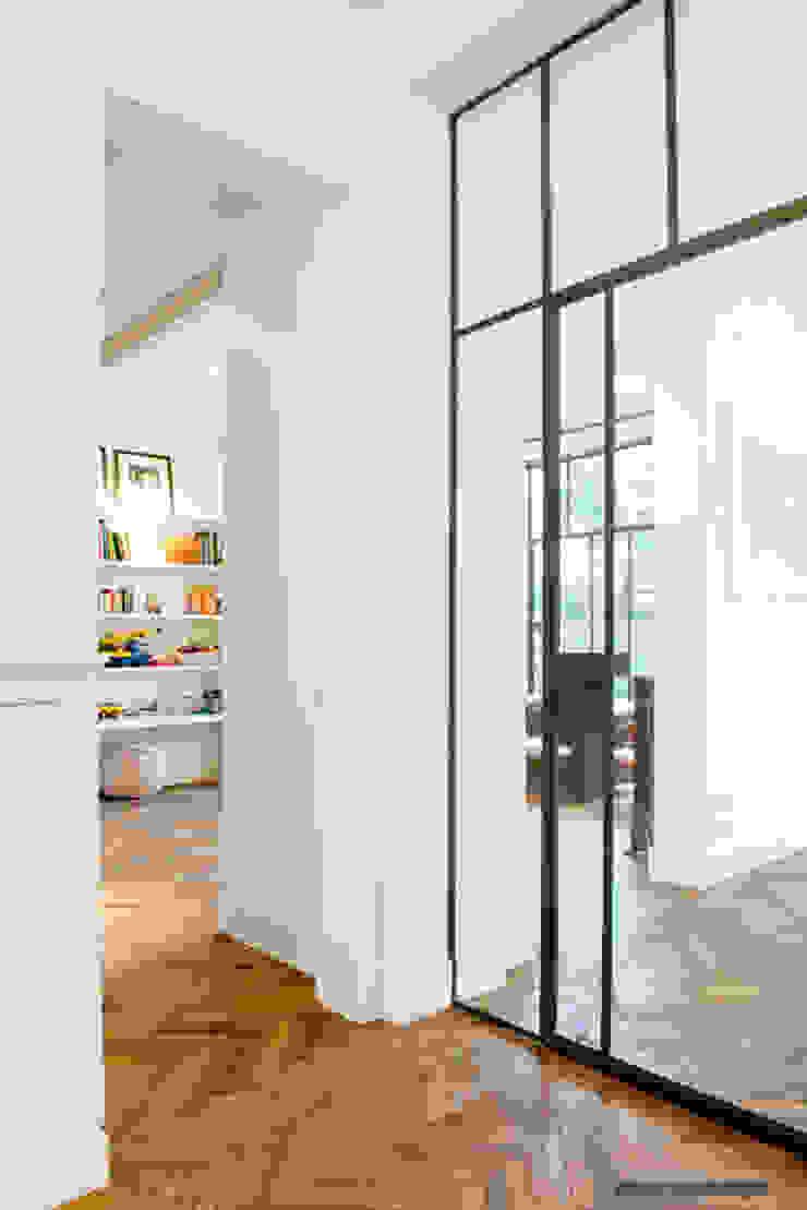 Herenpand met originele uitstraling Moderne gangen, hallen & trappenhuizen van Kodde Architecten bna Modern