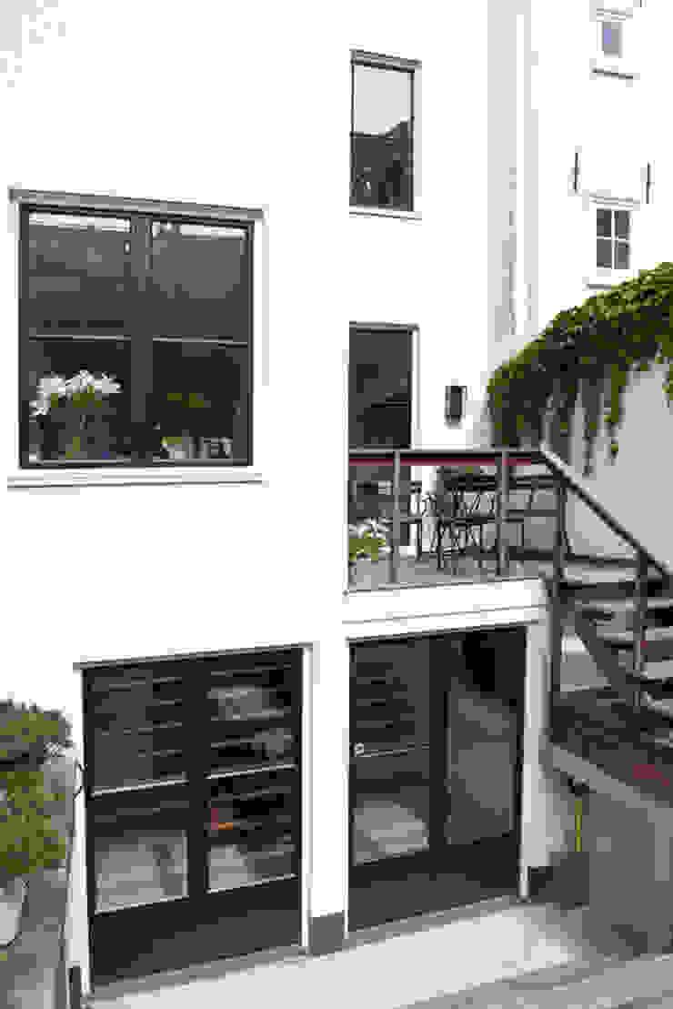 Vernieuwbouw grachtenpand Klassieke huizen van Kodde Architecten bna Klassiek