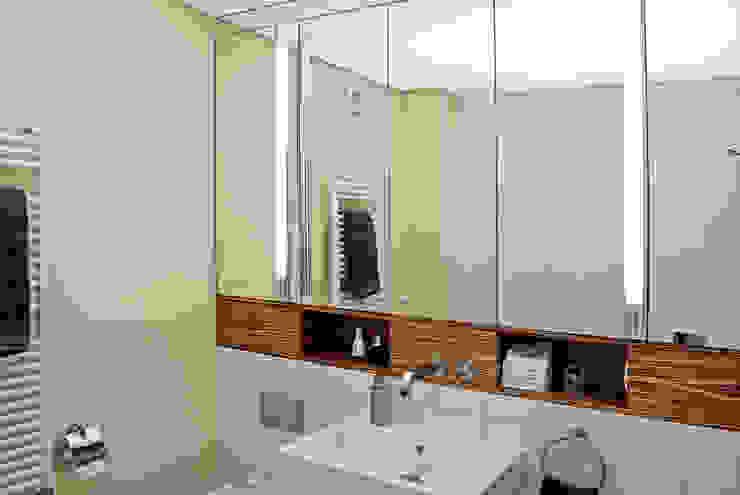 Badkamer door Dielen Innenarchitekten, Modern