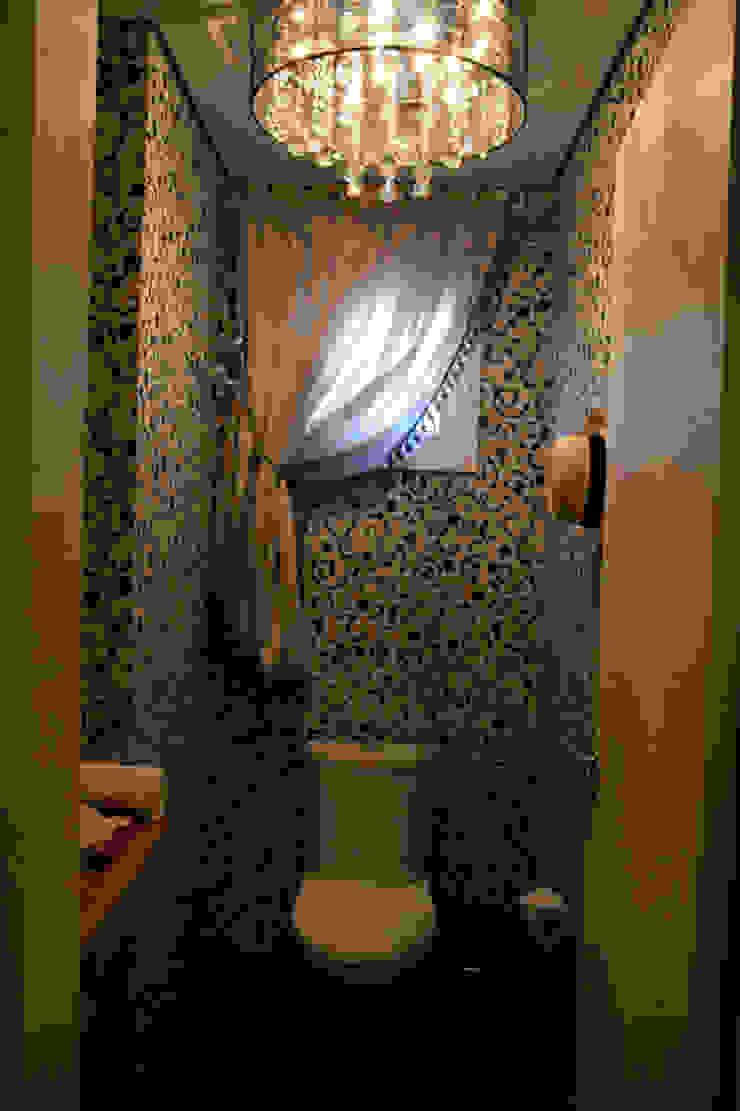 Lavabos e Banheiros Banheiros rústicos por ARQ Ana Lore Burliga Miranda Rústico