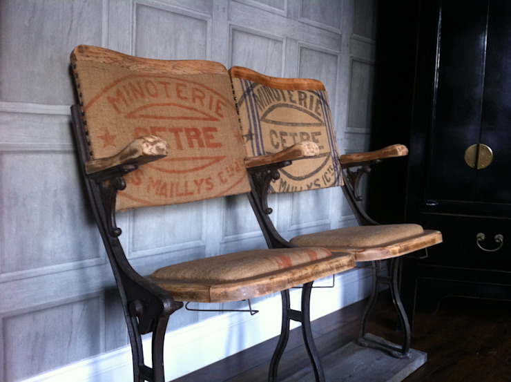 Upcycled Victorian Cinema Seats par Little Mill House Éclectique