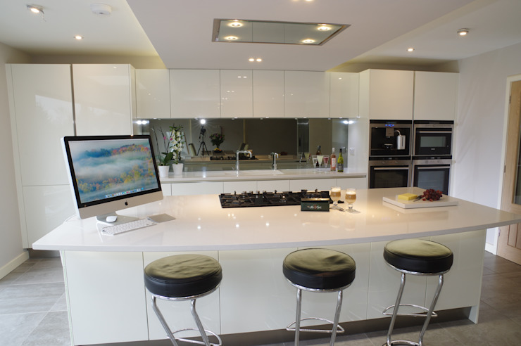 Luxurious White Kitchens by PTC Modern kitchen by PTC Kitchens Modern
