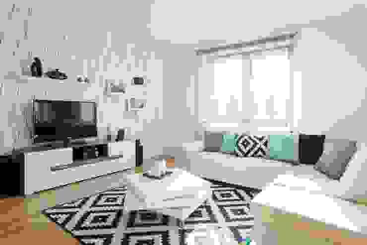 Salas de estilo moderno de Sceny Domowe Moderno