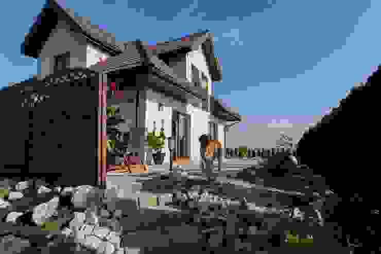 Casas de estilo clásico de Sceny Domowe Clásico