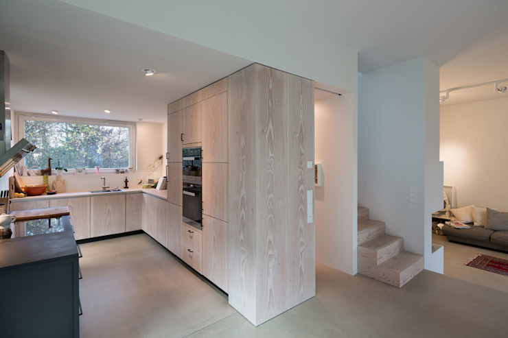 Moderne keukens van REICHWALDSCHULTZ Berlin Modern Hout Hout