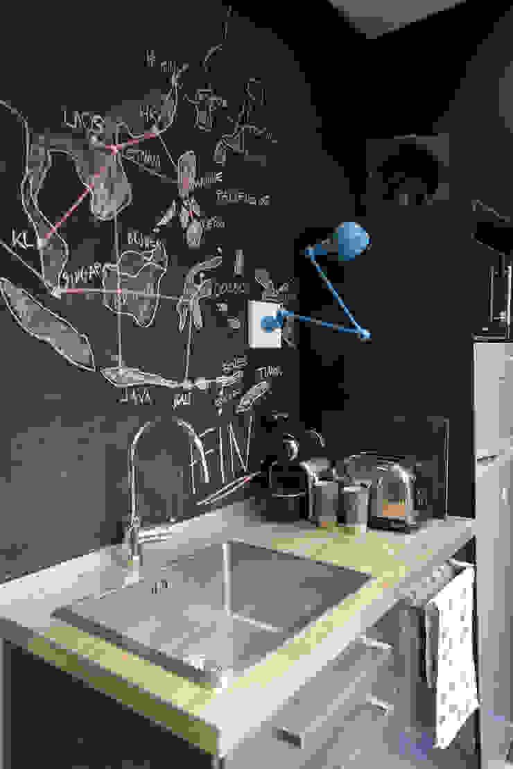 Modern style kitchen by Atelier Grey Modern