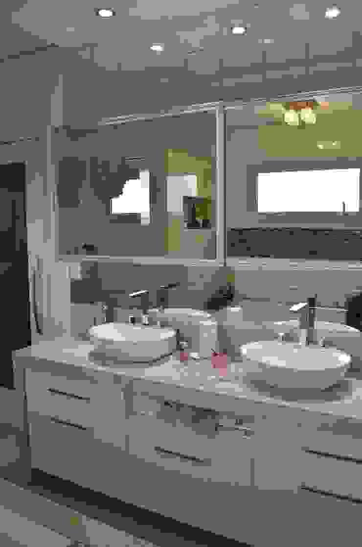 Destaque nos detalhes Banheiros modernos por Ésse Arquitetura e Interiores Moderno