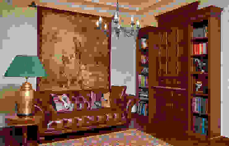 Загородный дом во Владимире Рабочий кабинет в классическом стиле от ROSBRI DECORATION STUDIO Классический