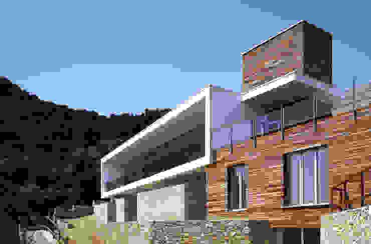 Casas modernas de marco ciarlo associati Moderno