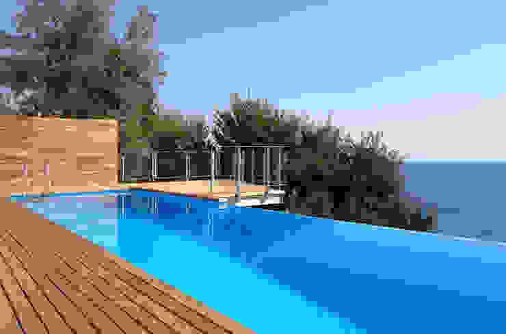 Villa T Case moderne di marco ciarlo associati Moderno
