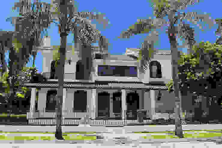 Colonial Mansion, Brazil Casa Forma Ltd Case moderne Laterizio Beige