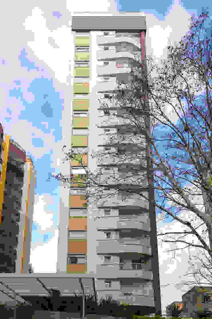Solar dos Plátanos Casas modernas por Mantovani e Rita Arquitetura Moderno