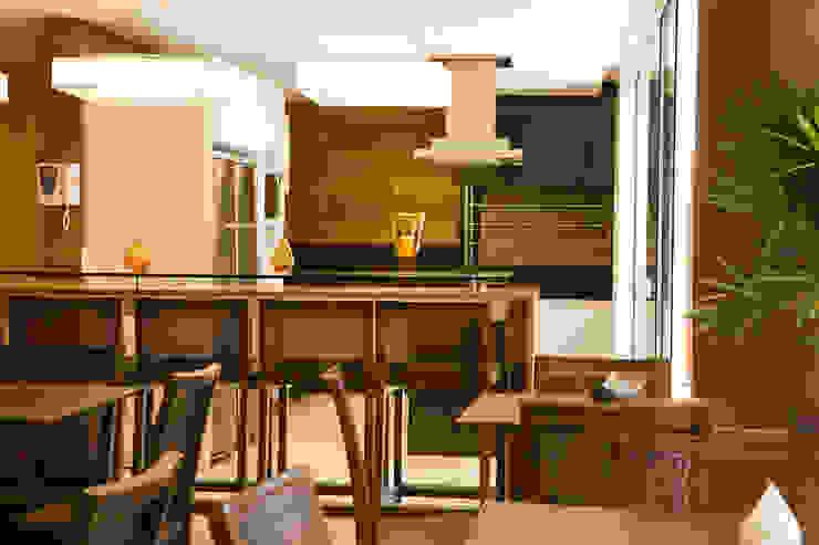 Solar dos Plátanos Cozinhas modernas por Mantovani e Rita Arquitetura Moderno