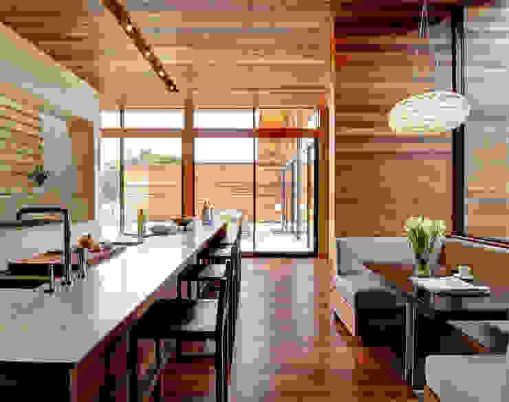 Sam's Creek Modern kitchen by homify Modern