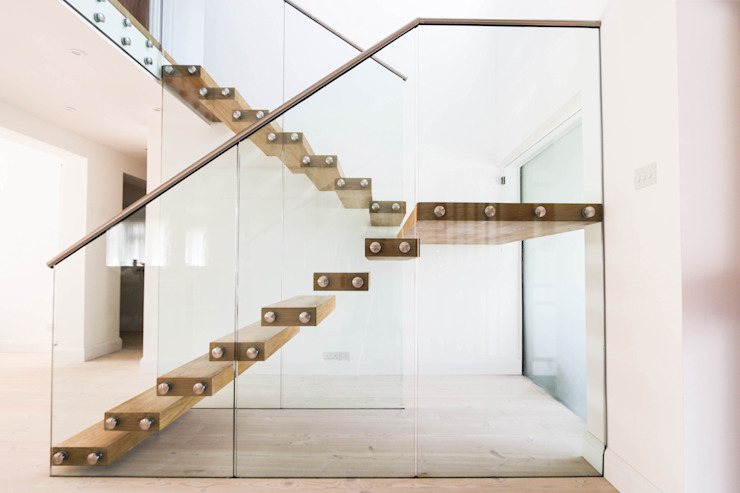 Floating Stairs with Chunky Treads and a Massive Landing: modern  by Railing London Ltd, Modern