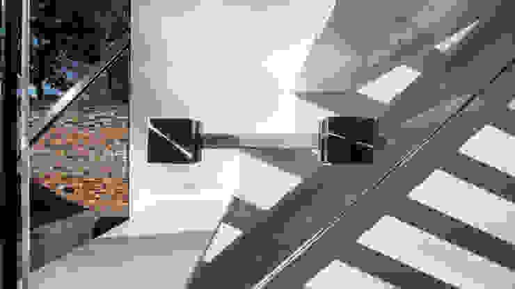 Mono-stringer Outdoor Staircase: modern  by Railing London Ltd, Modern