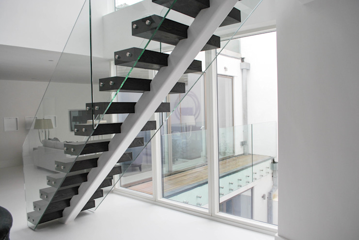 Exclusive Middle-spine Stairway: modern  by Railing London Ltd, Modern