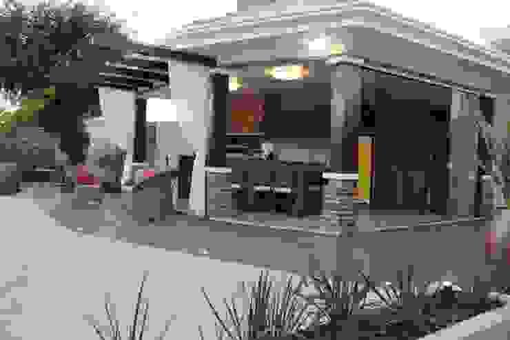 Country style balcony, veranda & terrace by Apê 102 Arquitetura Country