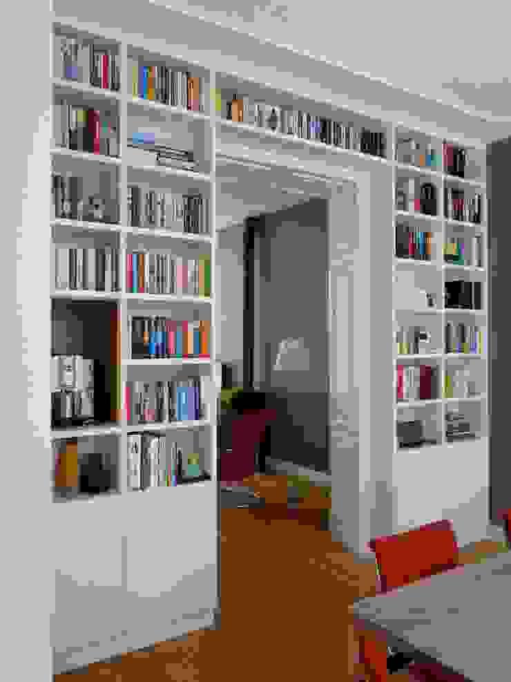 Boekenkast in separatie: modern  door Gosker Interieur Architectuur, Modern