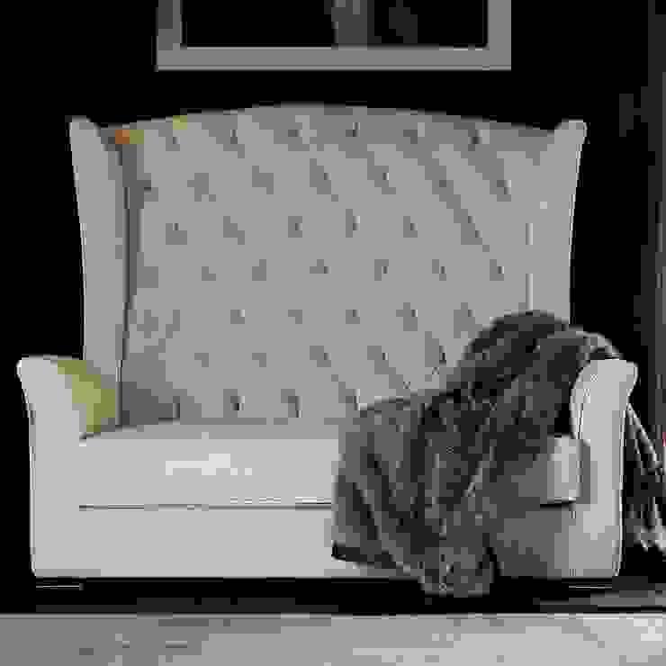 Kesy Lux Loveseat: modern  by We Style Homes, Modern