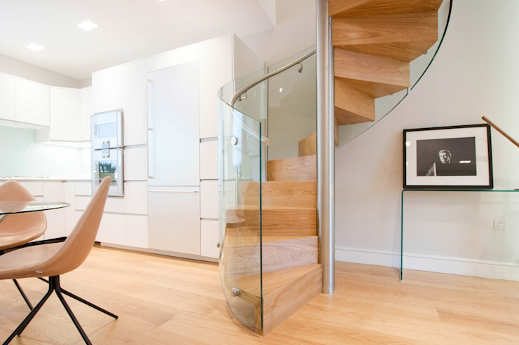 Spiral Staircase with Oak Treads and Risers: modern  by Railing London Ltd, Modern
