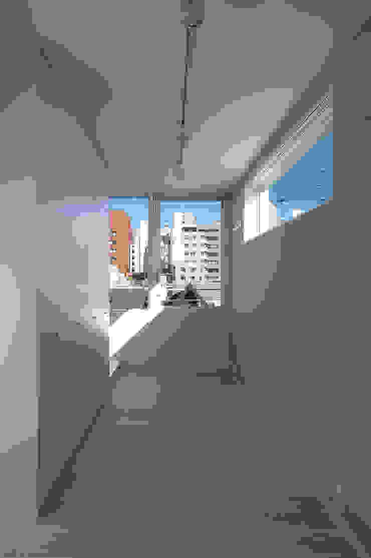 House I Minimalist bedroom by 森吉直剛アトリエ/MORIYOSHI NAOTAKE ATELIER ARCHITECTS Minimalist