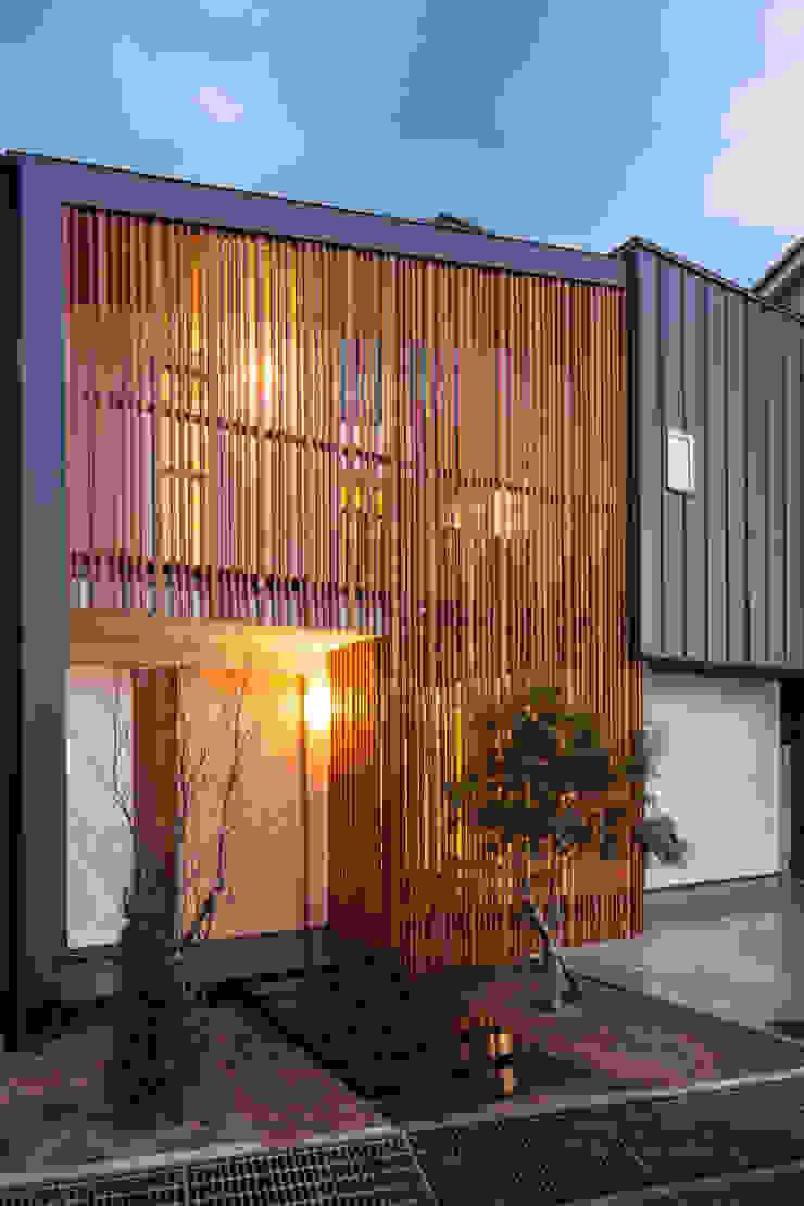Modern houses by 神谷徹建築設計事務所 Modern