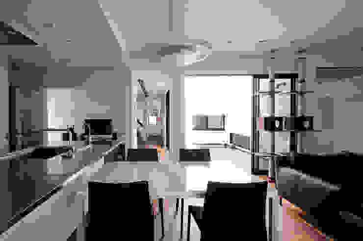 高松の家-oyamaya- モダンデザインの ダイニング の タカオジュン建築設計事務所-JUNTAKAO.ARCHITECTS- モダン