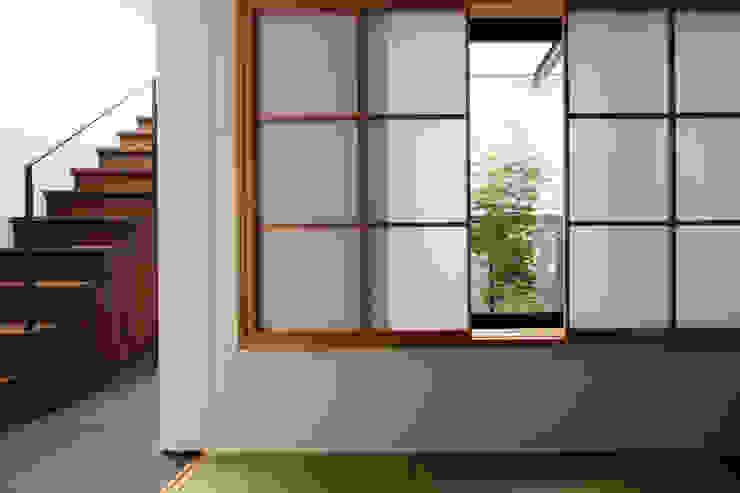 北方の家-okayama- モダンデザインの 多目的室 の タカオジュン建築設計事務所-JUNTAKAO.ARCHITECTS- モダン