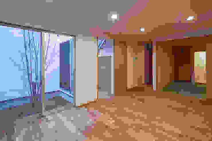 Modern living room by 神谷徹建築設計事務所 Modern