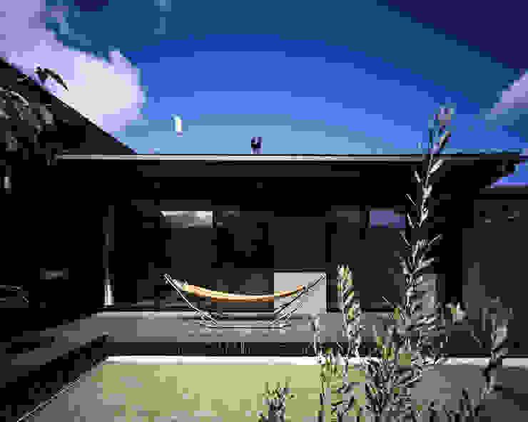 Modern style gardens by タカオジュン建築設計事務所-JUNTAKAO.ARCHITECTS- Modern