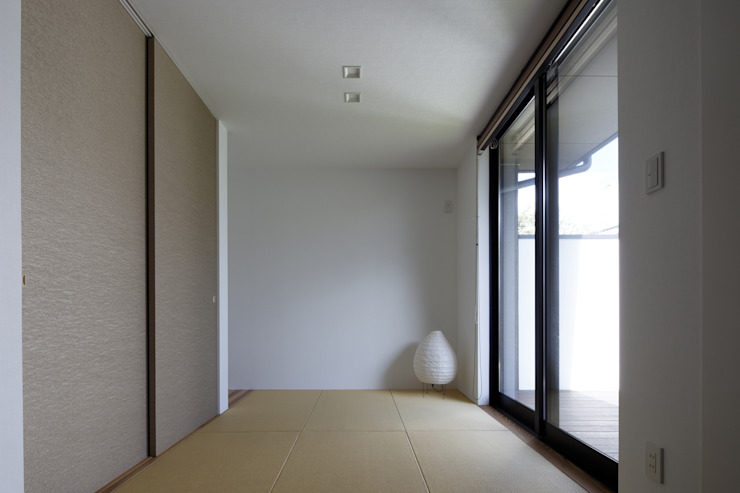 Modern media room by タカオジュン建築設計事務所-JUNTAKAO.ARCHITECTS- Modern