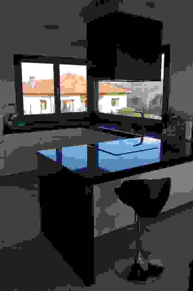 Vivienda en Siero 2 Cocinas de estilo minimalista de Eva Fonseca estudio de arquitectura Minimalista