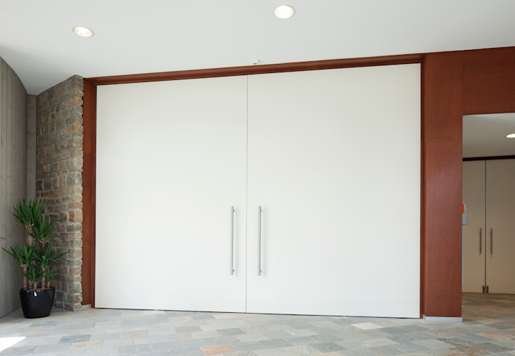 FritsJurgens taatsdeuren Moderne kantoorgebouwen van FritsJurgens BV Modern