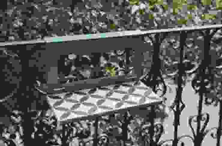 Creative Tiles Ideas Balcones y terrazas de estilo clásico de Suelos Hidráulicos Demosaica Clásico