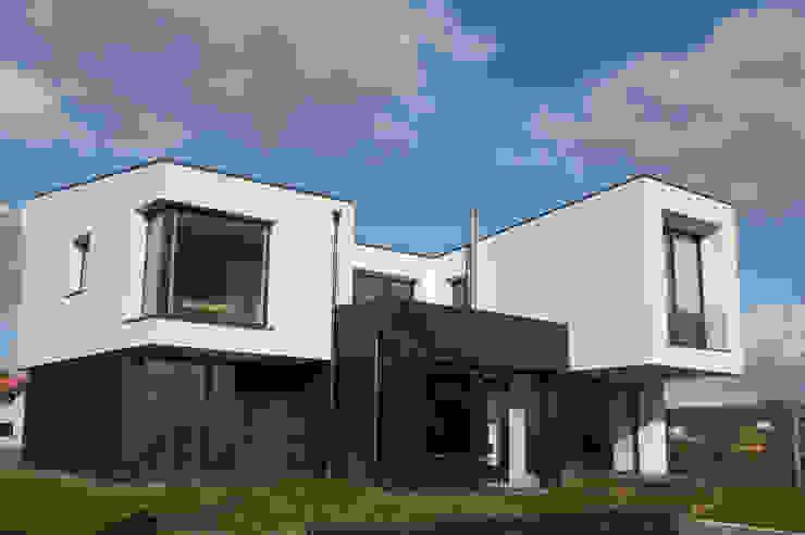 Vivienda en Siero 2 Casas de estilo minimalista de Eva Fonseca estudio de arquitectura Minimalista