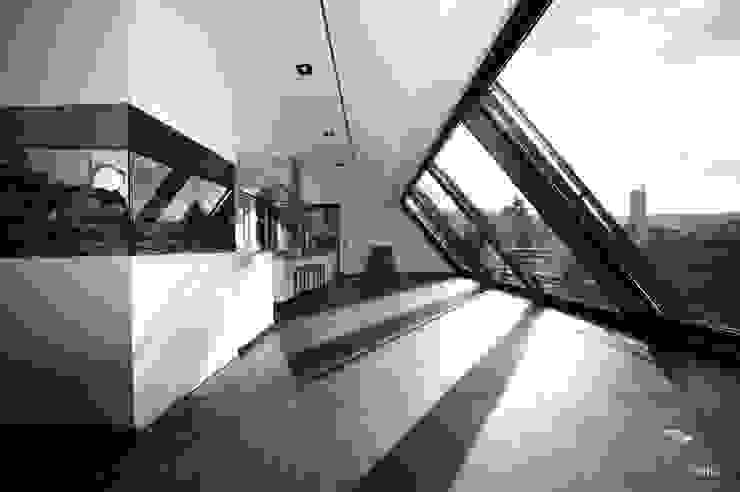 Villa DH Moderne Küchen von bmb Architektur + Design Modern