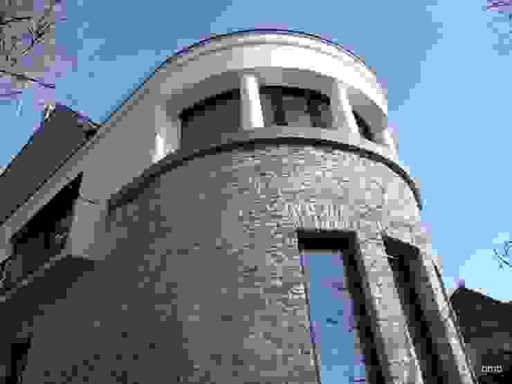 Villa DH von bmb Architektur + Design Modern