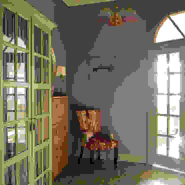 Квартира в Нижнем Новгороде Коридор, прихожая и лестница в классическом стиле от Galina GSV. Галина Сторожкова Классический