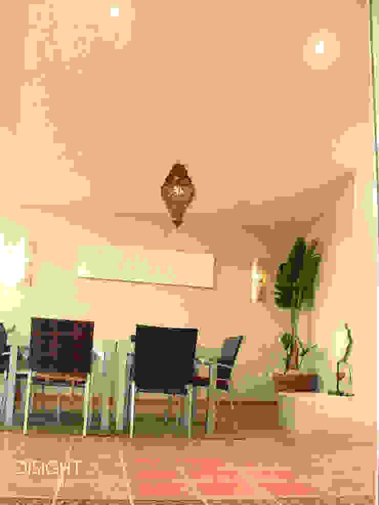 TERRAZA COMEDOR CUBIERTA DISIGHT Balcones y terrazas modernos: Ideas, imágenes y decoración