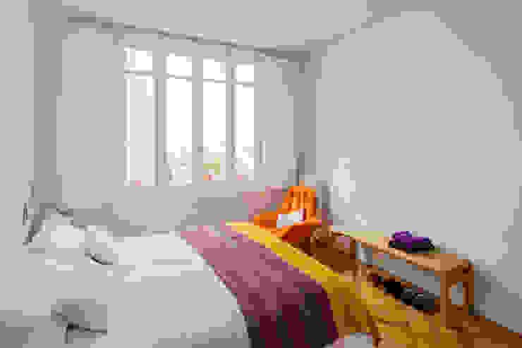 Vivienda zona plaza de Olavide, Madrid Dormitorios de estilo escandinavo de nimú equipo de diseño Escandinavo